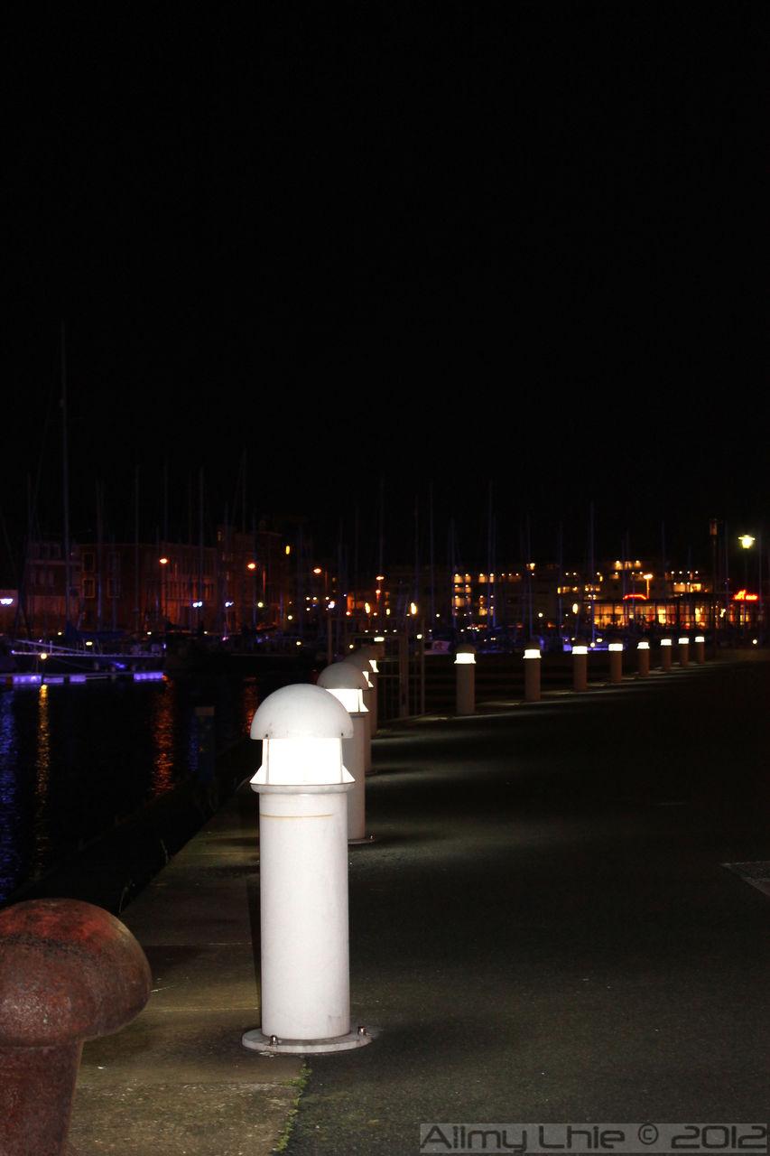 Aiimy Lhie le port de nuit