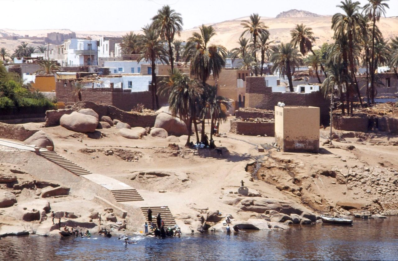 BARRE Yvon Assouan Egypte 1980