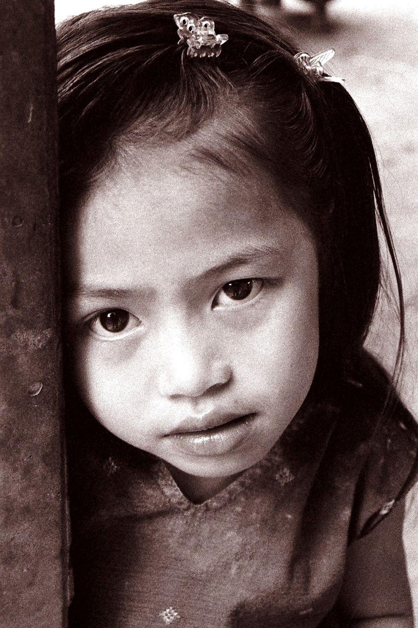 BARRE Yvon Laos n&b 01  Ban Nakoung
