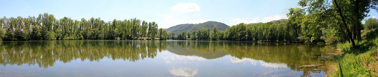 Catherine GRENOUILLAT Lac de Mauves (Ardèche) panoramique