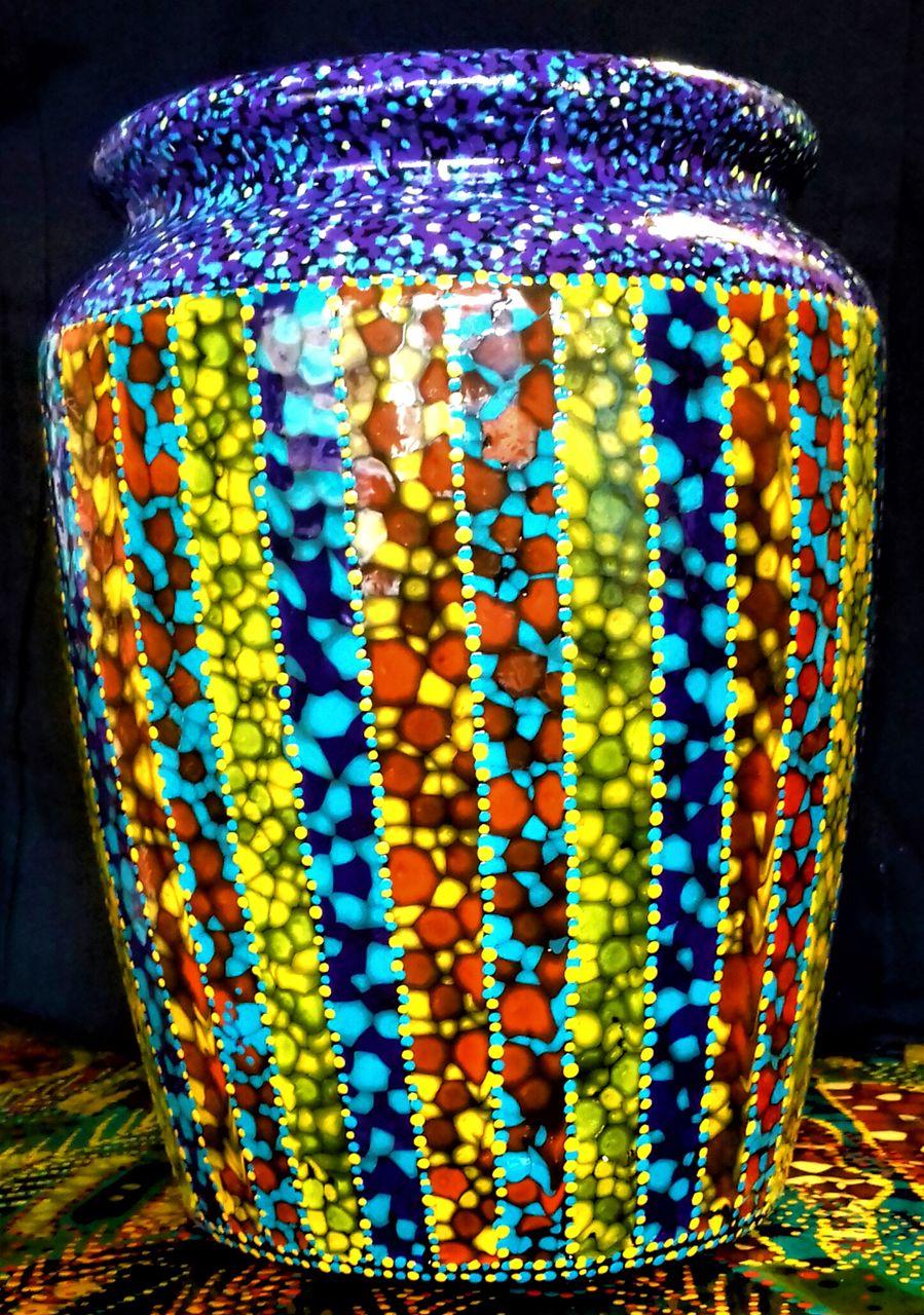 chris christopher Sans titre....Vase 1( Non disponible)