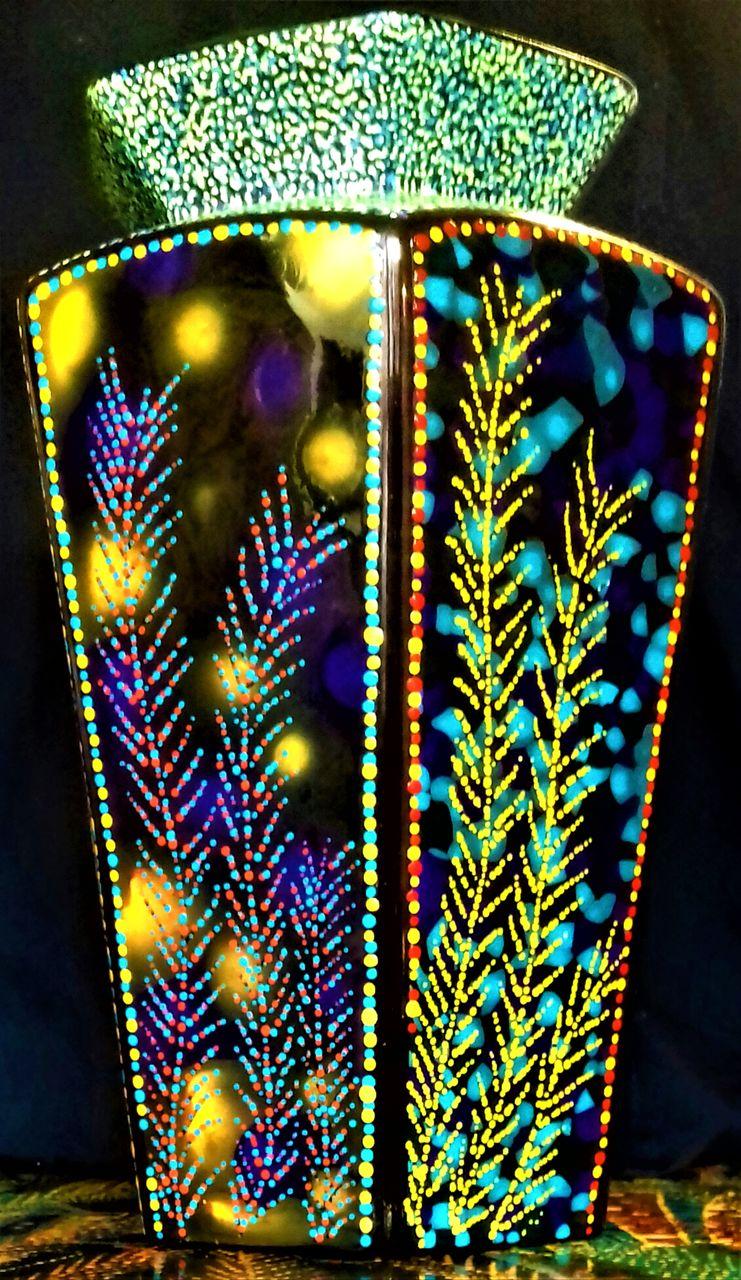 chris christopher Sans titre vase 2 b