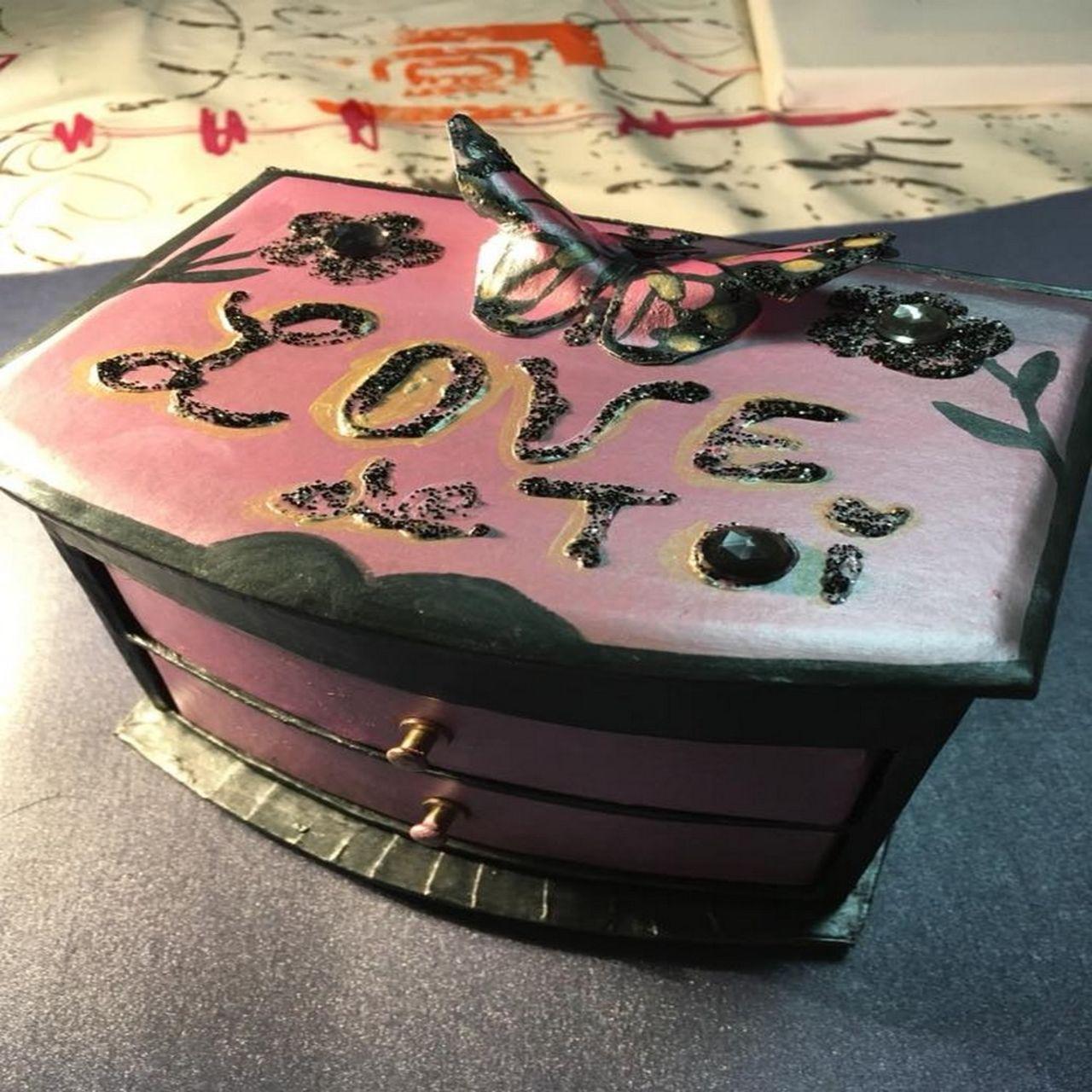 cué coffret a bijoux love de toi en peinture métalisée