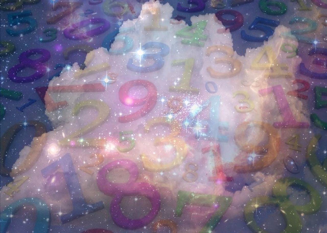 Danielle Arnal Cloud 3