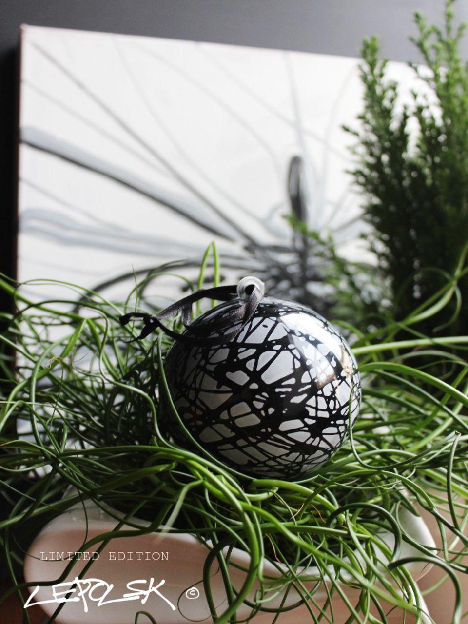 LEPOLSK MATUSZEWSKI DRIPPING  La boule de Noël Lepolsk Matuszewski