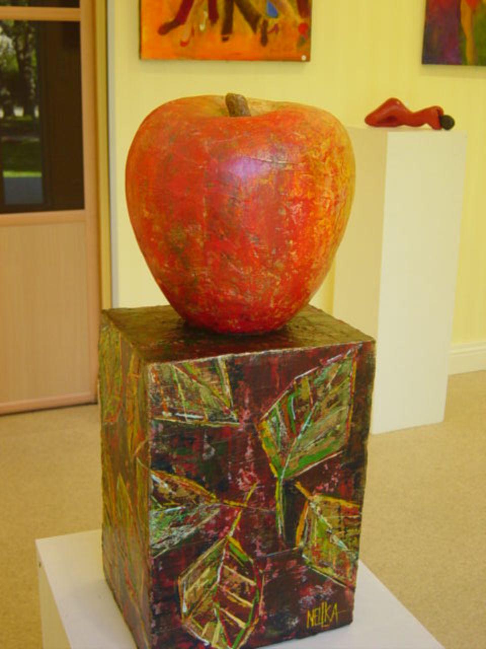 Nellka (Nelya Kantserova) Pomme