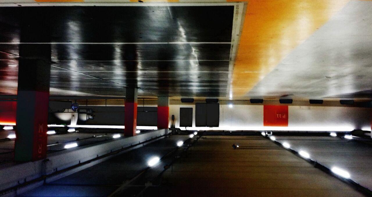 Niklas DC Batcave de Parking