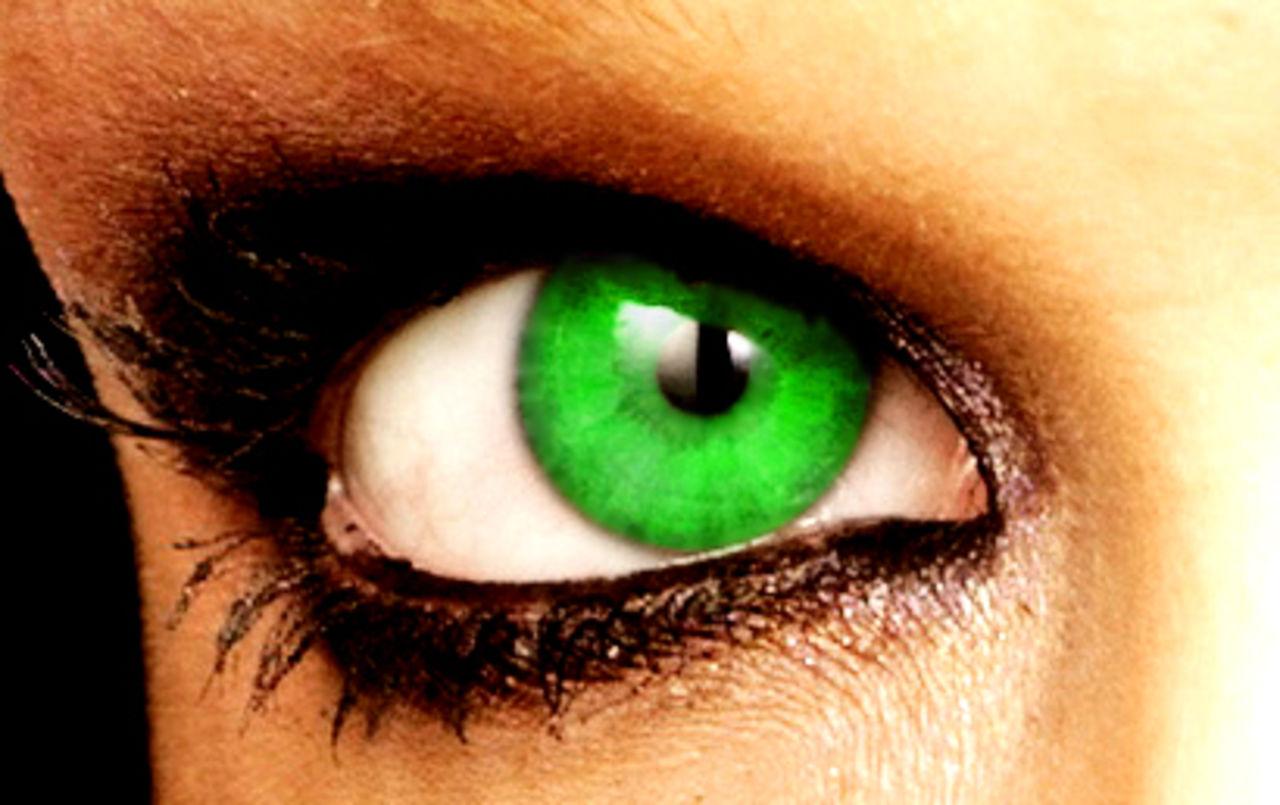 Phil Photos Green eye 2