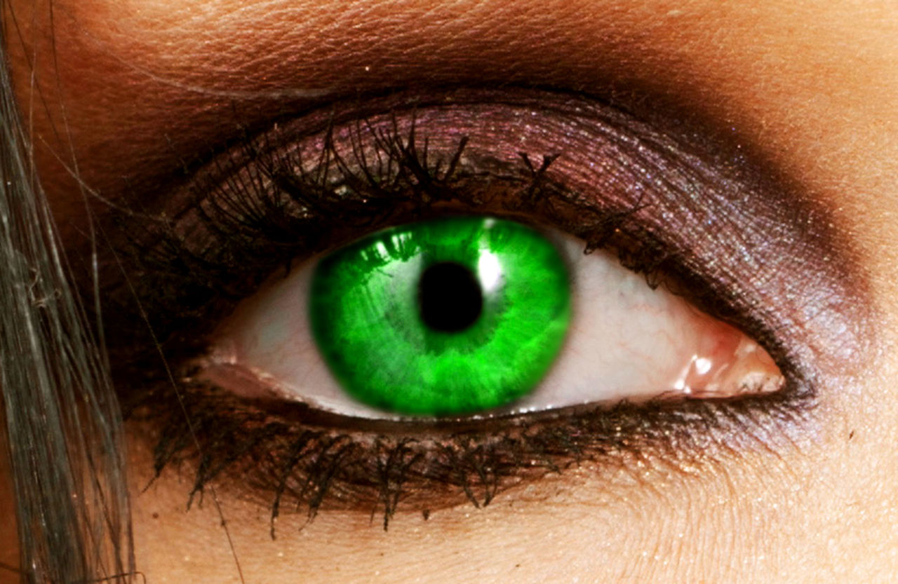 Philippe Schmucker Green eye