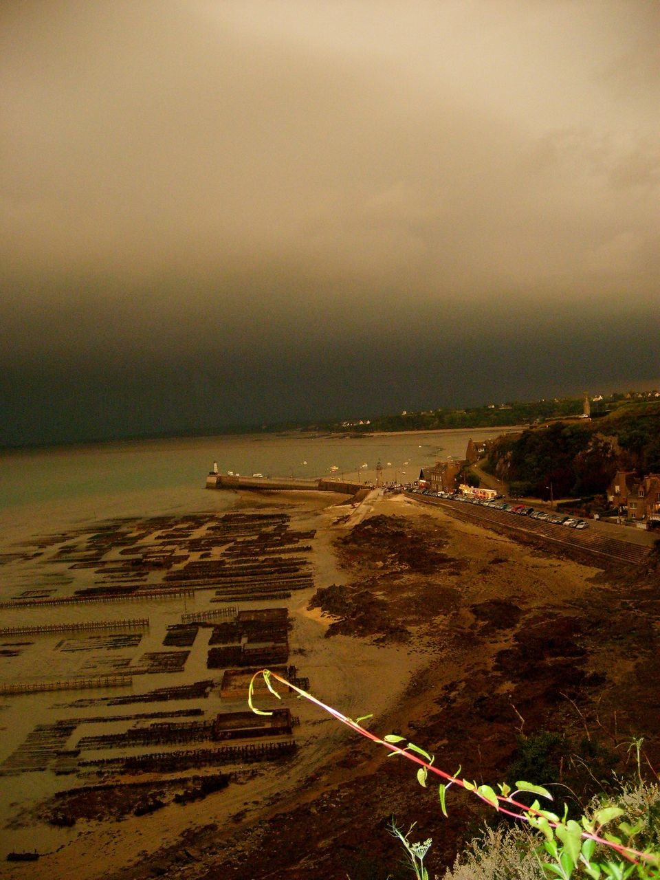 yves molac Cancale sous l orage !! photo MY